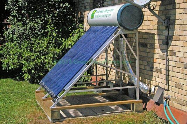 Evacuated Tube Solar Collector installed on the ground - www.greenterrafirma.com
